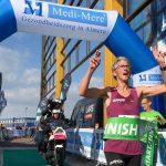 Lopers lovend over De 30 van Almere, winnaars zetten snelle tijden neer